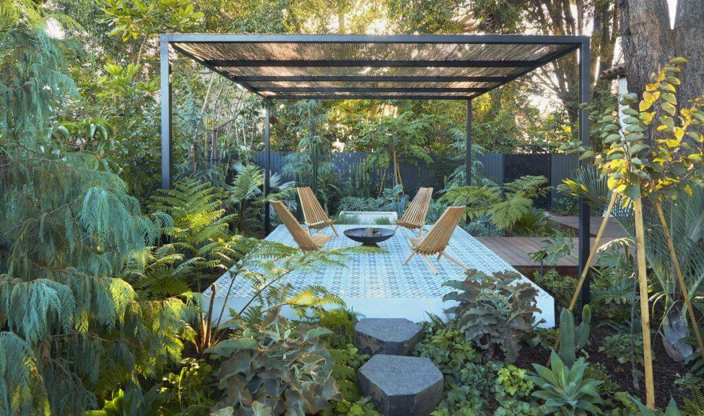 jardin urbano frondoso